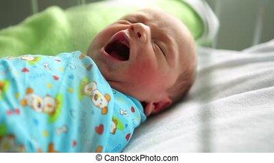 jongen, haar, hospital., yawns, bed, slapende, pasgeboren, moederschap