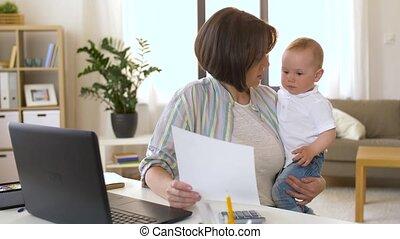 jongen, kantoor, werkende moeder, baby, thuis
