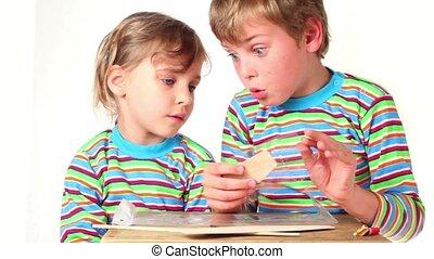 jongen, kinderen, uitgepakte, twee, schaaf, deel, model, meisje