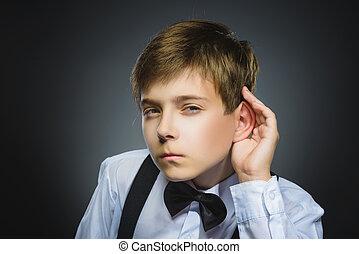 jongen, praatje, vrijstaand, listens., gehoor, grijze , iets, ouders, hand, kind, nieuwsgierig, oor, teleurgesteld, gebaar