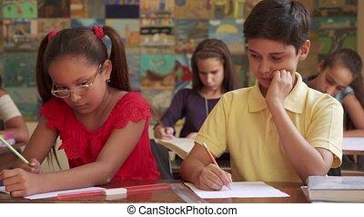 jongen, school, bedrog, toelating, test, gedurende, stand