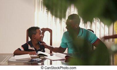 jongen, school, studerend , vader, portie, kind, opleiding, huiswerk