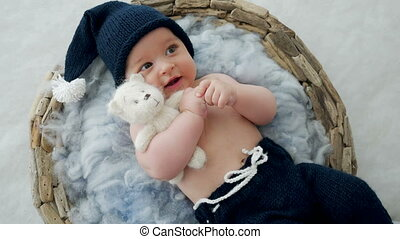 jongen, vacht, hat-knitting, baby, mand, het liggen