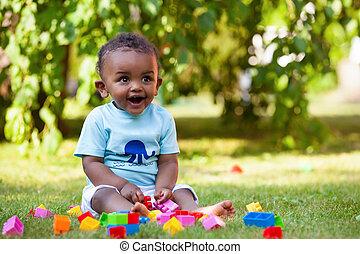 jongen, weinig; niet zo(veel), amerikaan, afrikaan, baby, gras, spelend