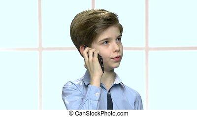 jongen, weinig; niet zo(veel), klesten, cel, zeker, telefoon.
