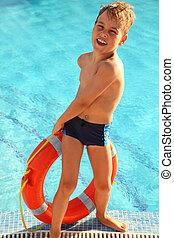 jongen, weinig; niet zo(veel), vrolijk, trekken, zwembad, uit, rood, zeebaken