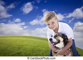 jongen, zijn, jonge, dog, gras, spelend, mooi