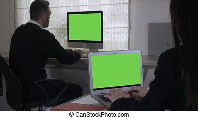 kamer, zakelijk, scherm, werken, twee, unrecognizable, team, display
