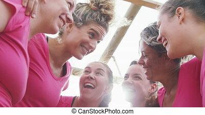 kamp, vrienden, het uitoefenen, vrouwlijk, laars, samen, het genieten van