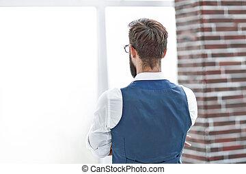 kantoor, kijken door, venster., zakenman, overzicht., achterkant