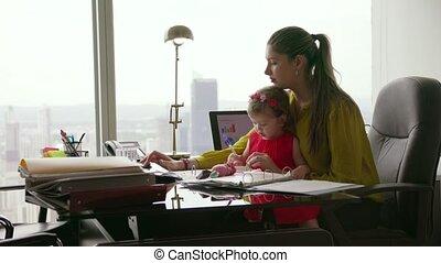 kantoor, tablet, moeder, ondernemer, 2, kind, gebruik
