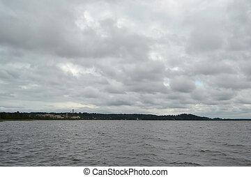 kavgolovo, meer, bewolkte dag