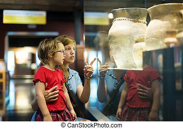 kind, amphores, oud, het kijken, moeder, museum