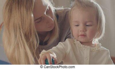 kind, haar, speelgoed, samen, moeder, meisje, spelend