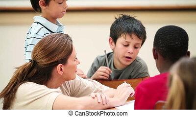 klesten, leraar, haar, leerlingen