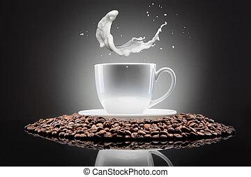 koffiekop, gespetter, zwarte bonen, witte , melk