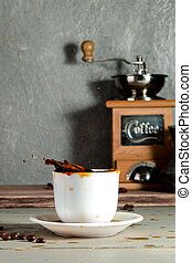 koffiekop, houten, gespetter, achtergrond, beans.