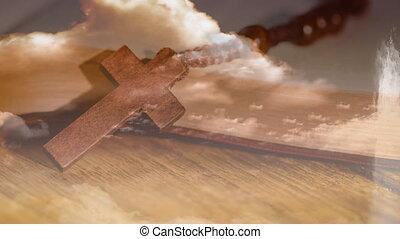 kralen, bidsnoer, houten, op, kruis, wolken, oppervlakte, animatie, christen, achtergrond