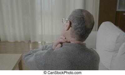 kramp, zijn, pijn, hals, zuil, terug masserend, hebben, spinal, ongemak, oud, muscle, of, man