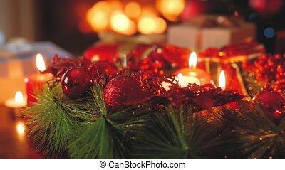 krans, tegen, kamer, advent, 4k, kadootjes, video, burning, kerstmis, levend, kaarsjes, toned, vuur, openhaard