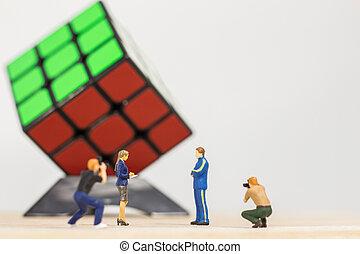 kubus, rubik's, afbeelding, :, miniatuur, winnaar, achtergrond, boeiend, fotograaf, mannelijke , 3x3, witte , mensen