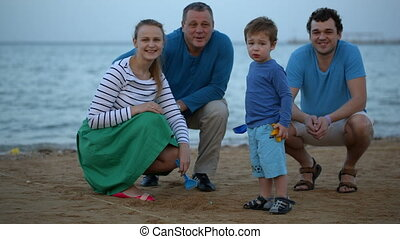 kust, gezin, vrolijke