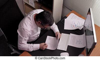 leider, ondertekeend, werkende , papieren