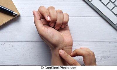 lijden, jonge, pijn, handen, vrouwen, pols