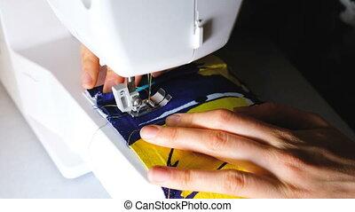 machine, het naaien van de vrouw, start, bestrating, lijn, naait