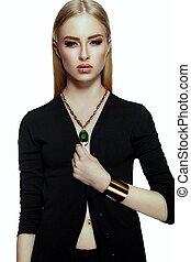 makeup, blonde , vrouw, modieus, doek, mode, glamor, schoonmaken, gele, jonge, closeup, mooi, verticaal, goud, look., huid, black , perfect, jewelery, hoog, sexy, model, helder