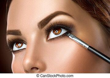 makeup, closeup., aan het dienen, eyeliner, vrouw