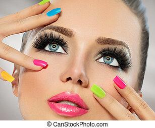 makeup, manicure, meisje, kleurrijke, gezicht, polish., spijker, beauty