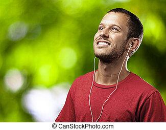 man, muziek, jonge, luisteren