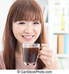 meisje, het genieten van, koffie, aziaat