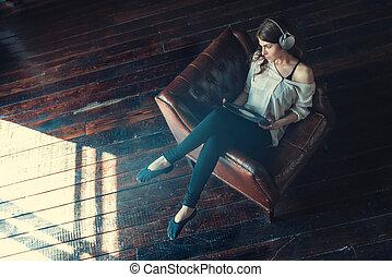 meisje, muziek, jonge, luisteren