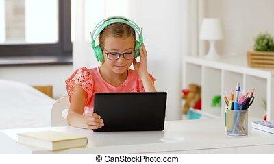 meisje, tablet, thuis, headphones, computer