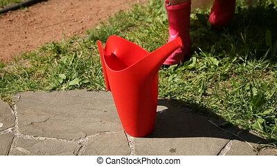 meisje, watering, pa???e?, rood, groenteblik