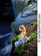 meisje, watervallen, afgrond, beauty, vroeg, zomer, verticaal, rivier, natuur, rand, morgen, het genieten van, mooi