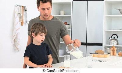 melk, zijn, glas, zoon, papa, portie