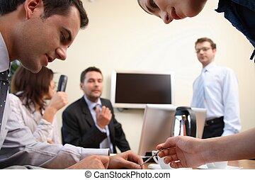mensen, actie, brainstorming., zakenkantoor