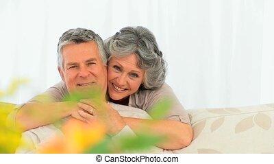 middelbare leeftijd , het glimlachen, paar