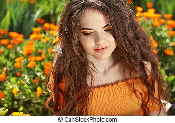 mooi, brunette, hairstyle., beauty, gezonde , hair., lang, golvend, portrait., buitenshuis, woman.
