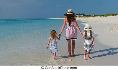 mooi, familie vakantie, tropisch strand, vrolijke