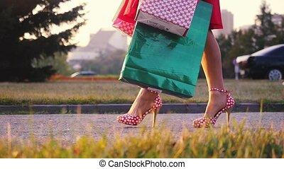 mooi, zakken, shoppen , been, zon, slowmotion., straat, door, gaat, gedurende, jurkje, ondergaande zon , 1920x1080, vrouwen