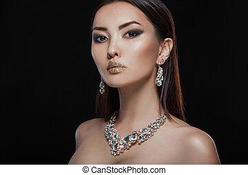 mooie vrouw, juwelen, mode, luxe, verticaal