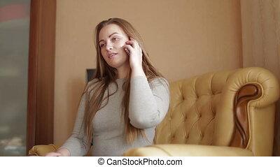 mooie vrouw, klesten, jonge, telefoonhuis