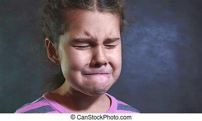 motie, verdrietige , emoties, violence, verticaal, meisje, despair., gezin, levensstijl, het schreeuwen, weinig; niet zo(veel), biddend, vertragen, hopelessness, crying., concept, video., zij