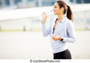 na, vrouw, muziek, water, mooi, drinkt, rennende , luisteren