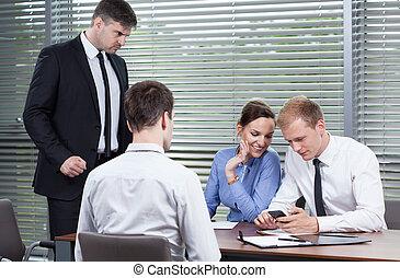 niet, werknemers, baas, luisteren