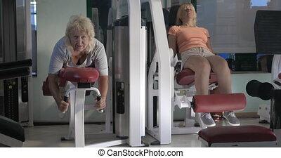 oefeningen, vrouwen fitness, machines, been